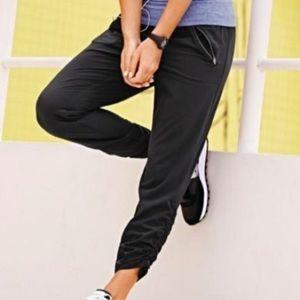 Athleta Aspire Ankle Pants size 2